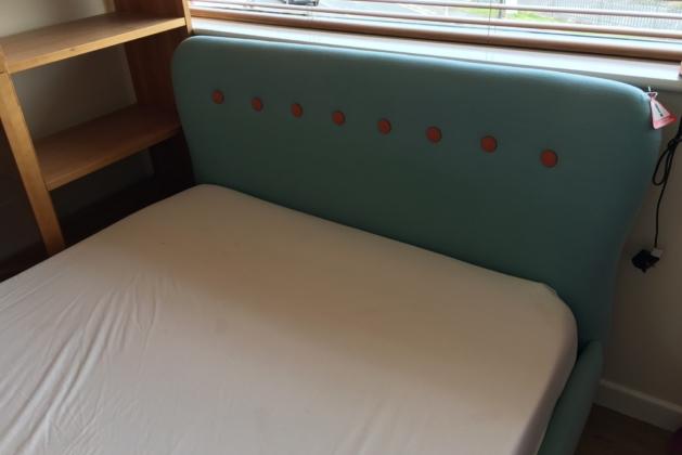 Loren Bed