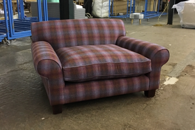 Slouch Love Seat Isley