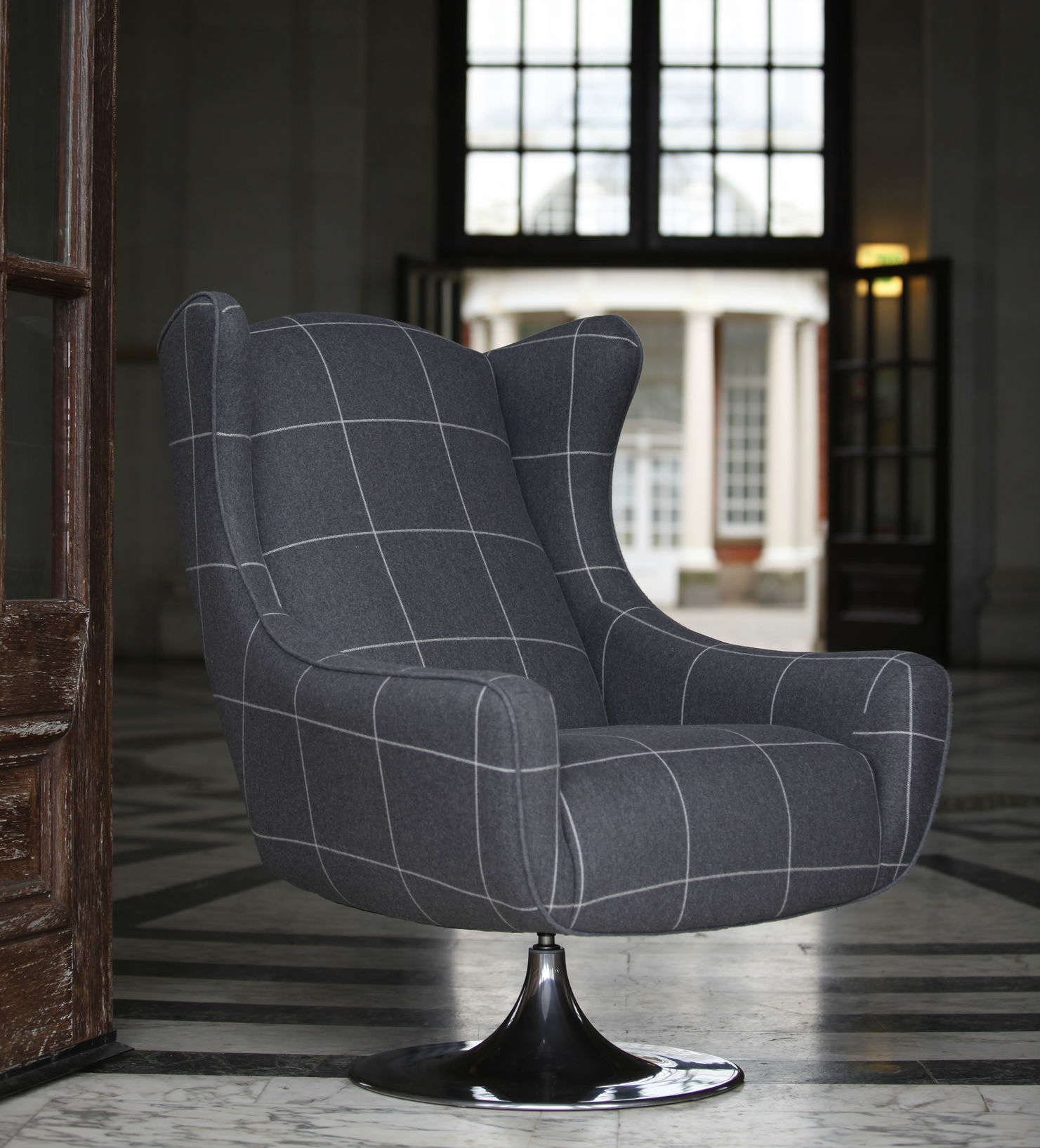 Genial Retro Styled Swivel Chair With A High Back And Polished Chrome Trumpet  Base. Please Click Here To Download A Specification Sheet For The Space Wing  Chair.